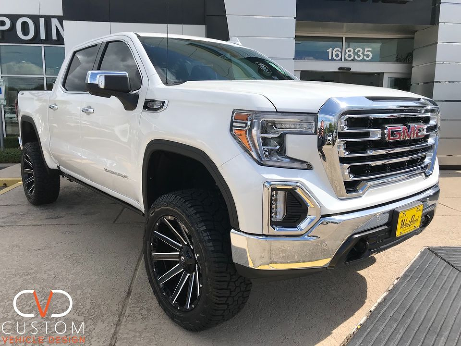 "2020 GMC Sierra with 22"" Fuel Contra wheels"