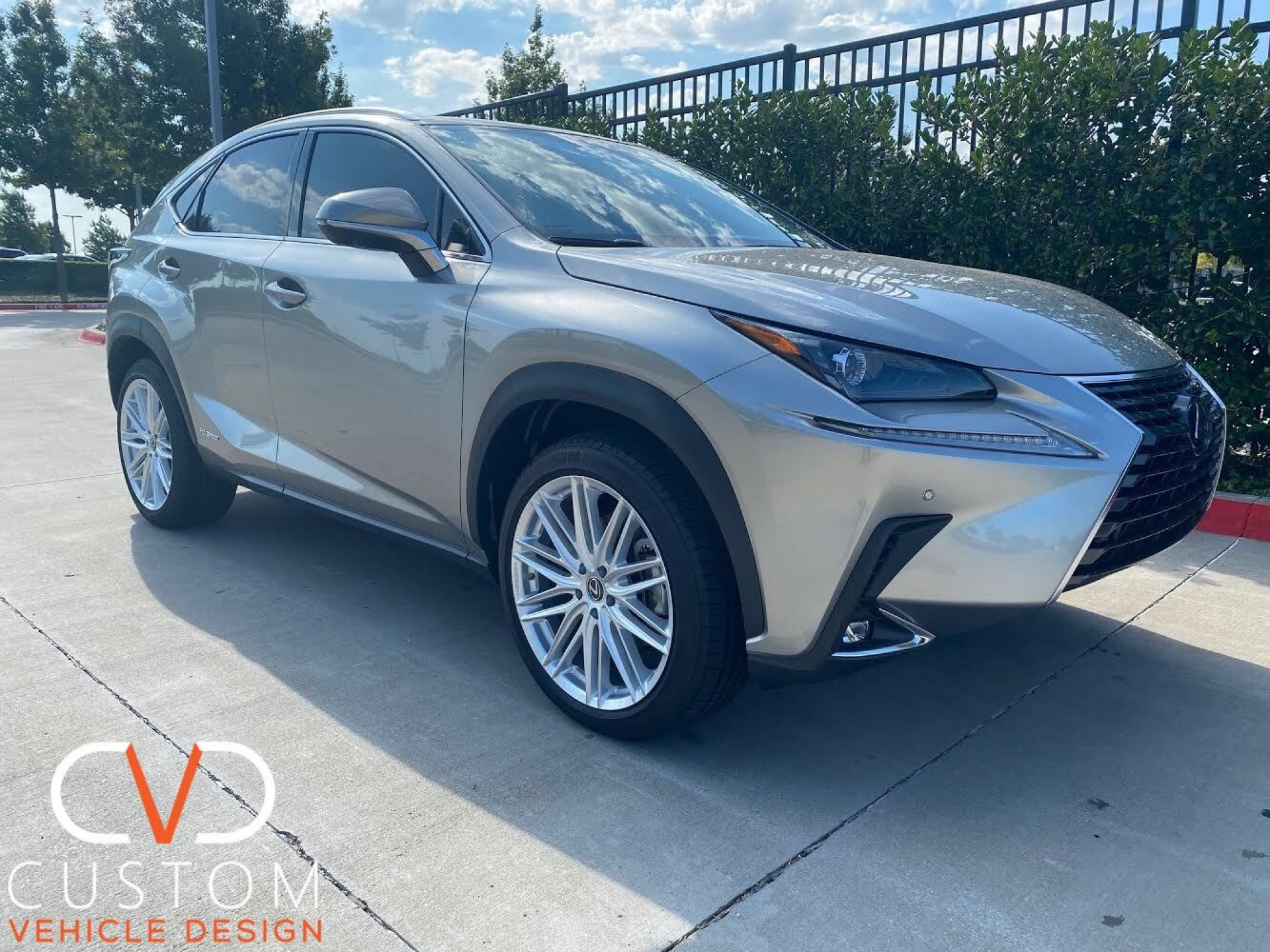 "Lexus NX300 with 20"" Vossen VFS4 wheels"