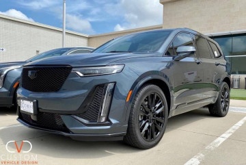 2020 Cadillac XT6 with Vogue wheels and Signature V Tyres