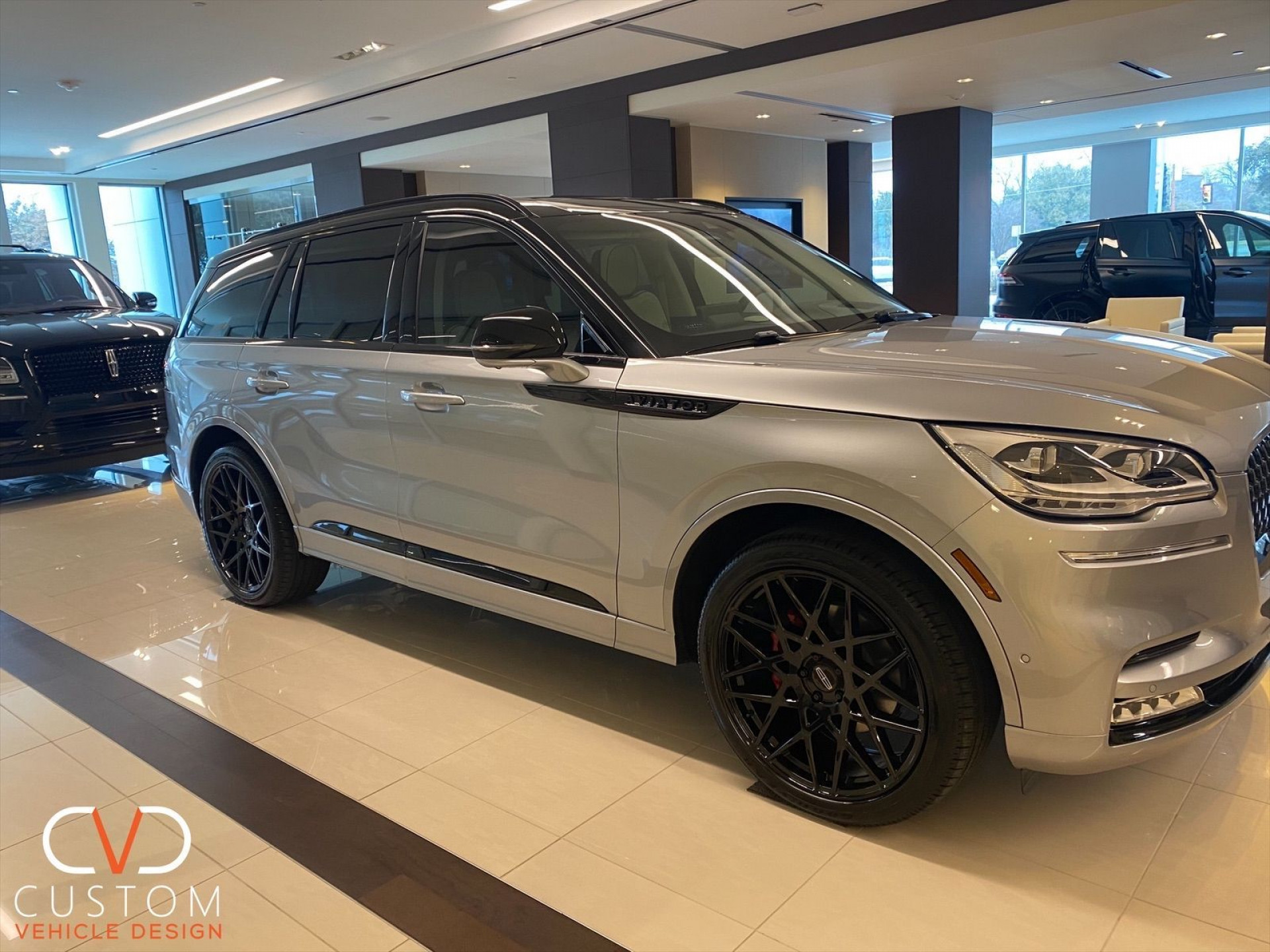 Lincoln Aviator customized by CVD