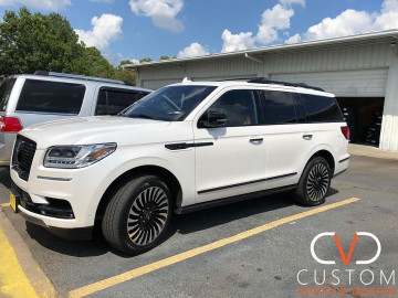 Lincoln Navigator fully customized by CVD