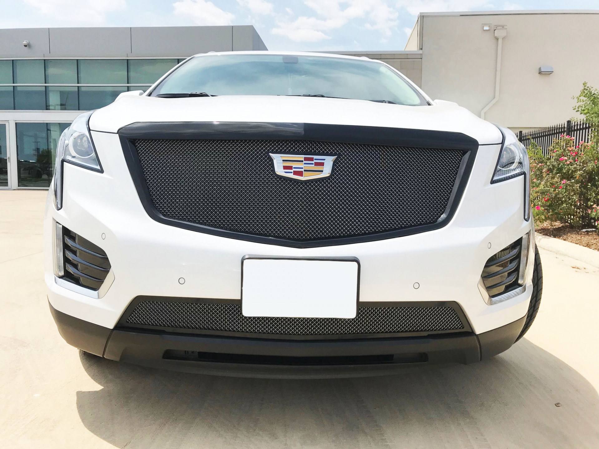Cadillac XT5 - Stacked Mesh Grille and Vogue VT386 Gloss Black Wheels