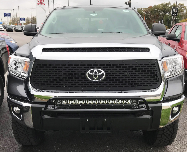 Toyota Tundra -Black HoneyComb Grille