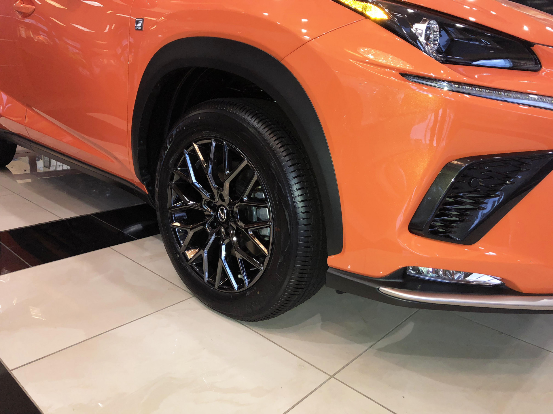 Lexus NX - Vogue VT384 Wheels