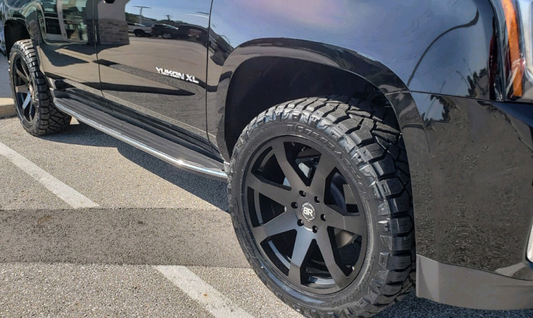 GMC Yukon XL - Black Rhino Mozambique Wheels