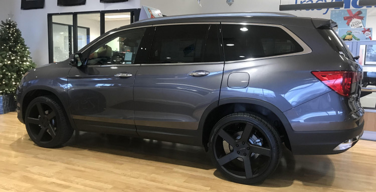 """Honda Pilot with 22"""" Vision Switchback"""
