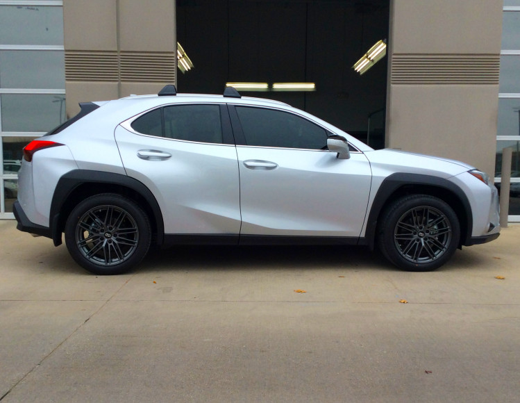 Lexus UX200 with Enkei Phantom wheels factory size 18