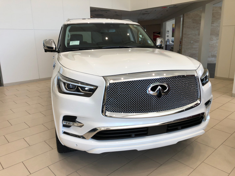 """Infiniti QX80 5.6 24"""" White PVD Rampage with Sig Vs"""