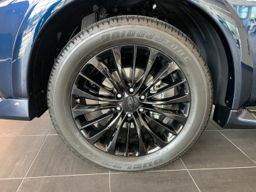 Infiniti QX80 Gloss black Factory Wheels