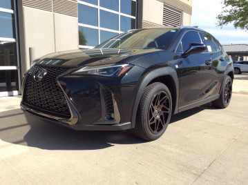 Lexus UX200 F-sport with 18x8.5 Regen 5 R31 wheels