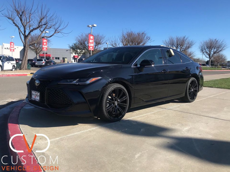 """2020 Toyota Avalon with 20"""" Vogue VT386 wheels and Signature V tires"""