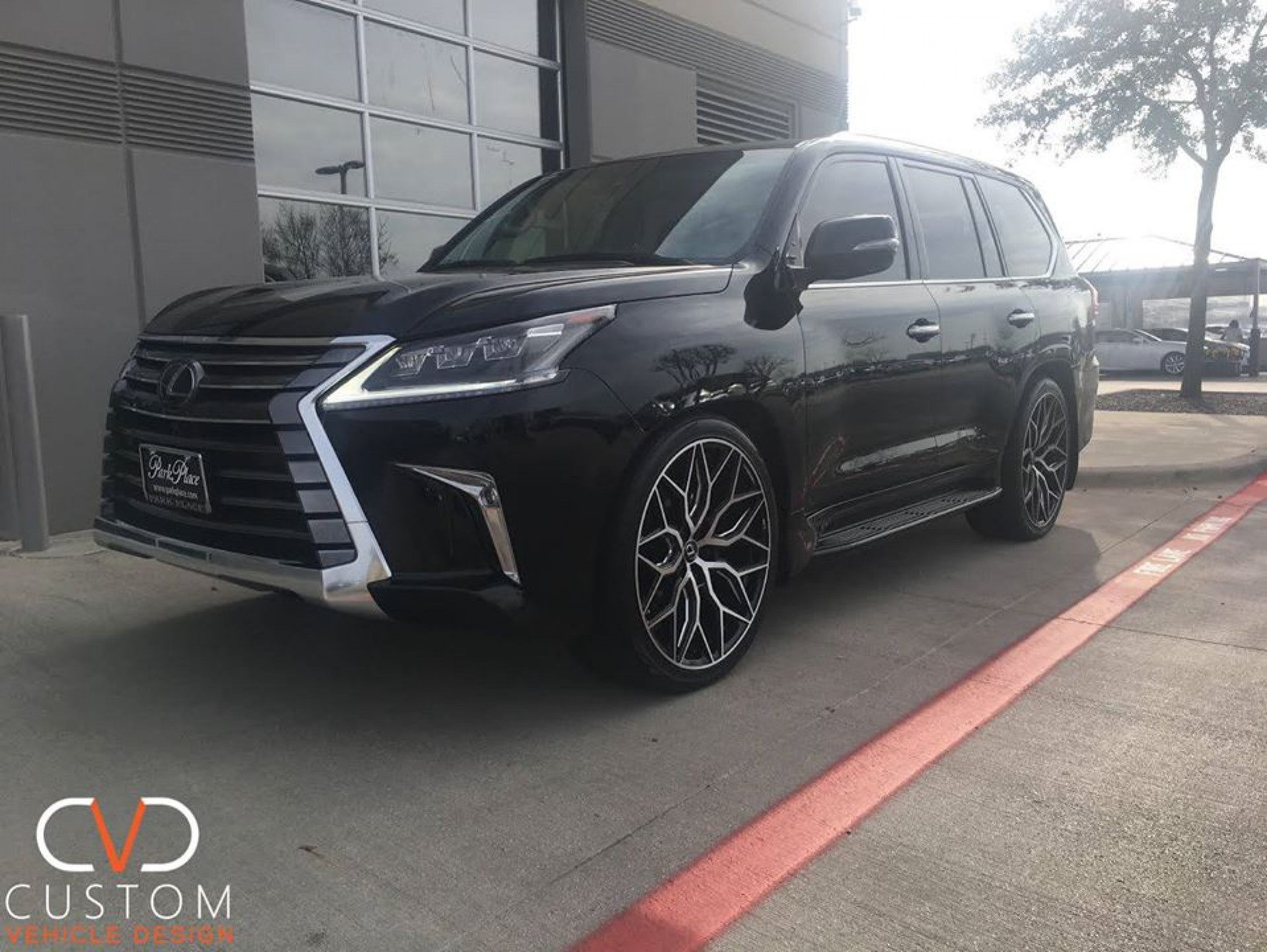 "2020 Lexus LX570 with 24"" Vossen HF2 wheels in gloss black ⠀"