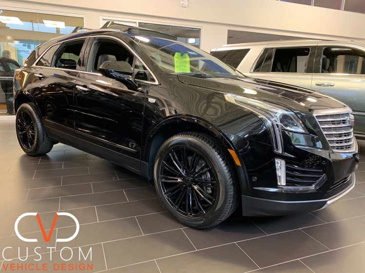 2020 Cadillac XT5 (black on black) with Vogue VT386 Wheels and Signature V Tyres ⠀