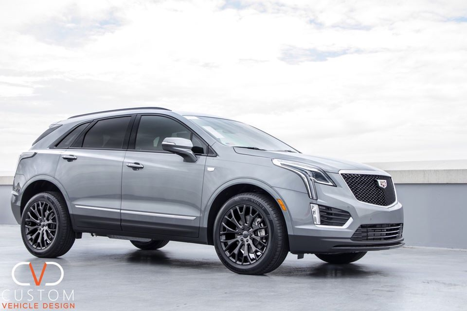 2019 Cadillac XT5 with Gloss Black Vogue VT383 wheels and Vogue Signature V SCT2 Tyres