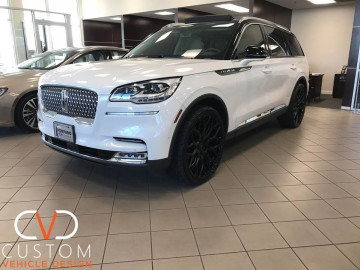 "2020 Lincoln Aviator with 24"" Gloss Black Vossen HF2 wheels ⠀"